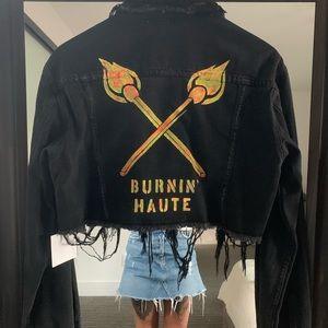 Cropped denim jacket w/light in the UV neon logo
